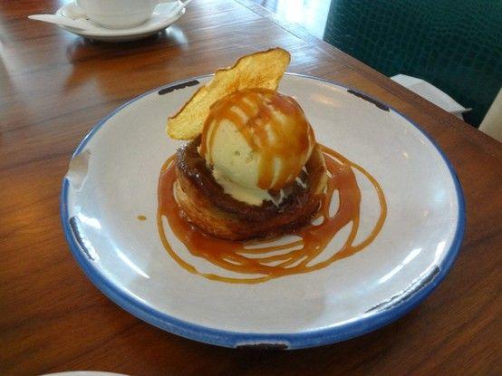 . Pear and Ice cream dessert