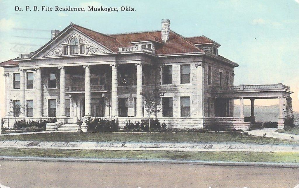 443 N 16th St Muskogee Ok 74401 Zillow Greek Revival Architecture Muskogee Historic Homes
