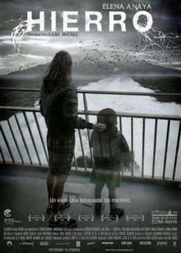 """""""Секреты железного острова""""Мать с сыном отправляются отдыхать на остров Йерро,но неожиданное исчезновение мальчика ставит героиню перед непростым выбором: смириться с утратой или во что бы то ни стало разобраться в случившемся и найти ребенка. Героине придется пройти по тонкой грани между реальностью и миром ужасающих видений, ведущих к безумию. Тонкое хитросплетение судеб, распутав которое можно получить ответы на все вопросы."""