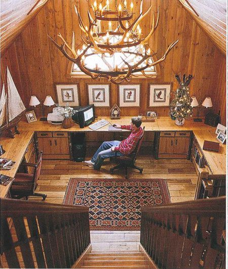 Rustic Home Office Interior Design: Rustic Home Office With Wrap-around Desk And Antler