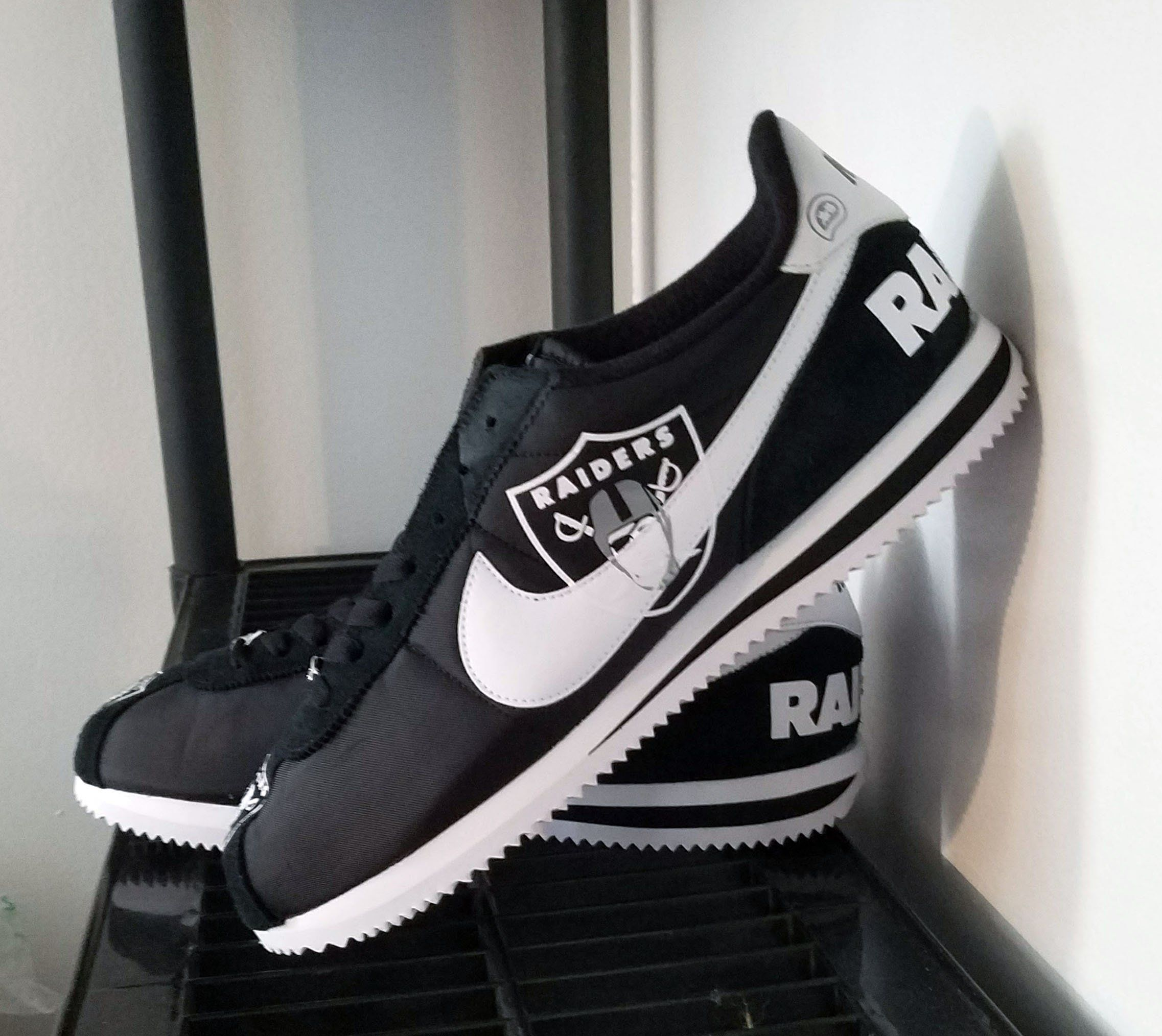 Nike Air force 1 Custom PLAY HEART Inspired free fast shipping (dhl) max 5 days worldwide
