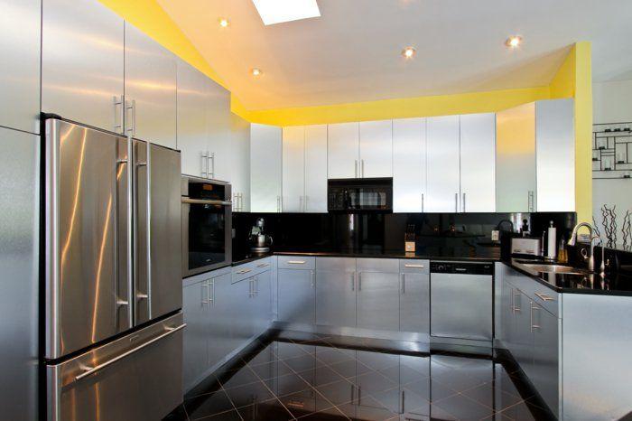 Moderne Küche in U-Form - Kochkomfort inmitten von modernen Designs ...