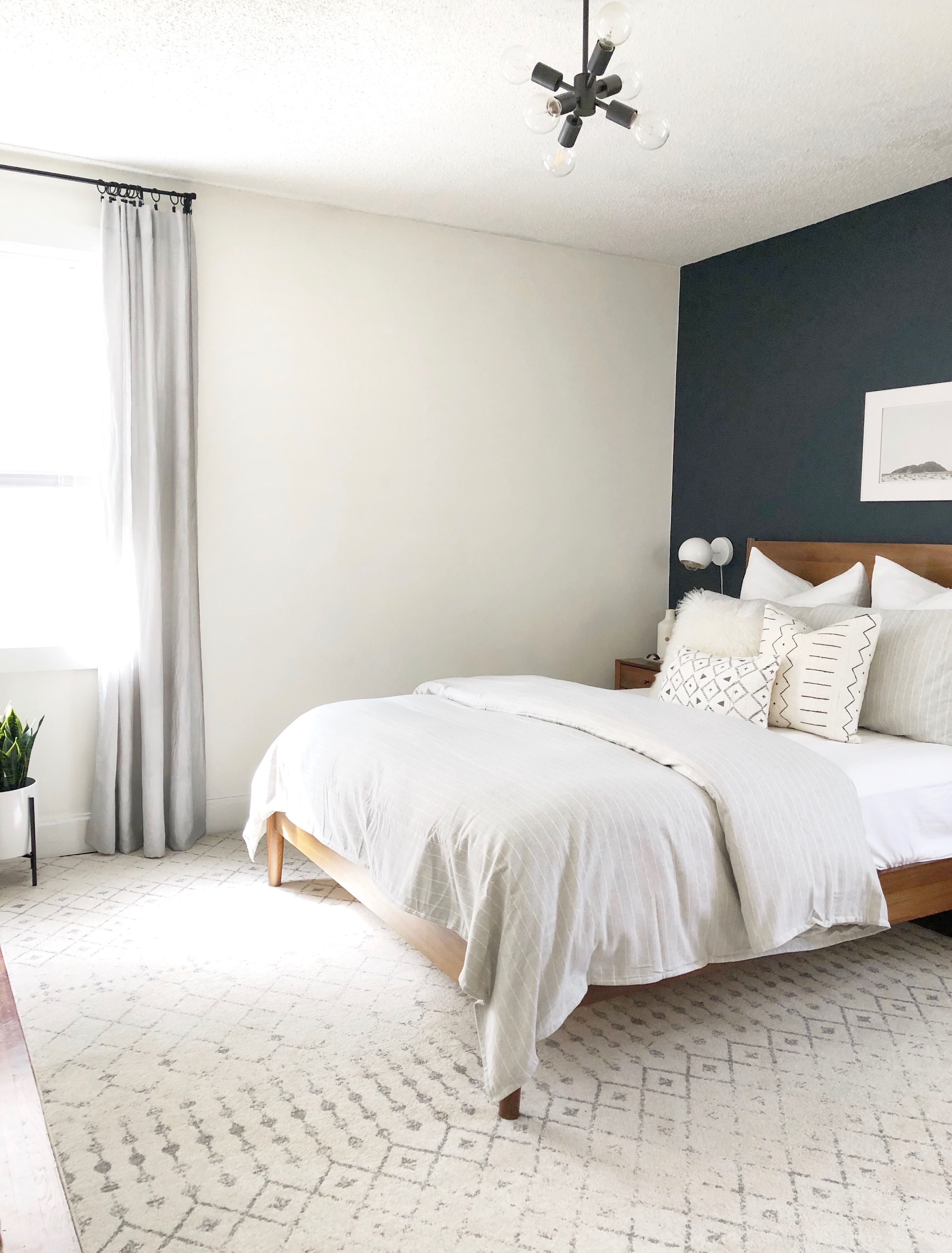 Neutral Bedroom Lots Of Texture Love The Dark Accent Wall Bedroom Interior Farmhouse Style Bedroom Decor Modern Farmhouse Style Bedroom