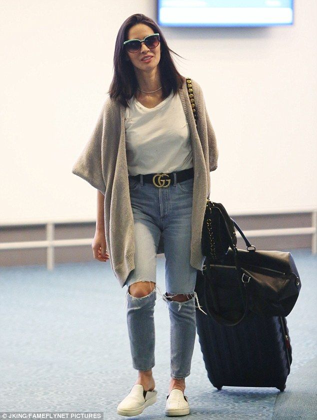 Olivia Munn Is Doing Good After Breakup With Ex Aaron Rodgers Olivia Munn Style Denim Fashion Olivia Munn