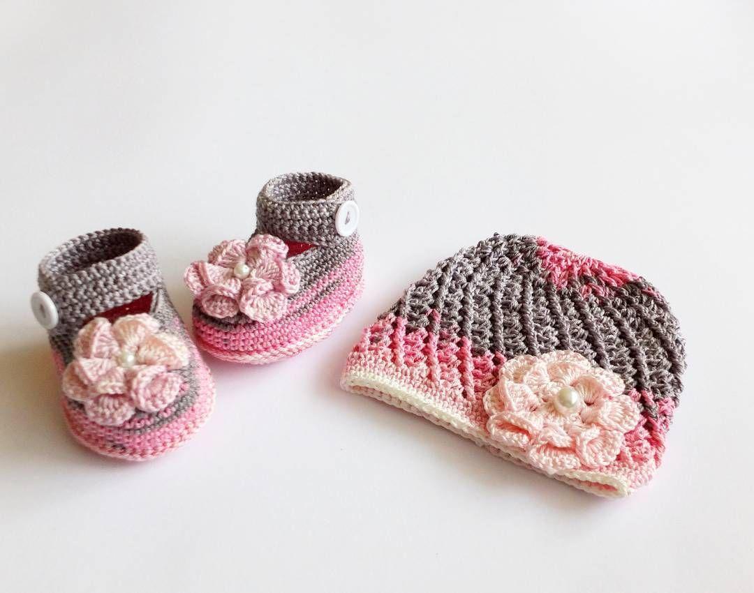Crochet baby girl shoes and beanie with flowers handmadebyinese crochet izmirmasajfo
