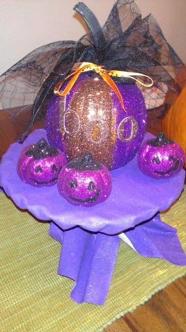 Table centerpiece - my first diy glamour glitter pumpkin