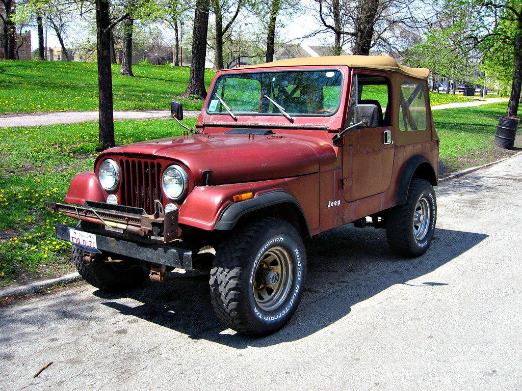 Jeep Cj Vs Jeep Wrangler The Similarities And Differences Jeep Cj Vintage Jeep Best Off Road Vehicles