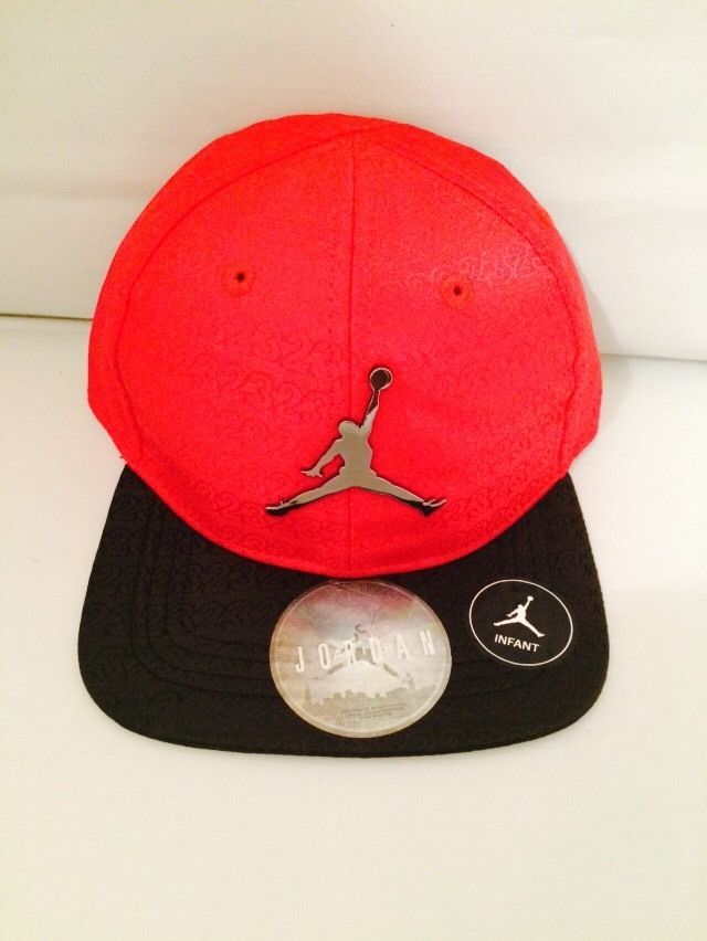 17759eedd0b NWT Air Jordan Red Baseball Cap Boys Infant 12-24 Months Steel Chrome Logo   Nike