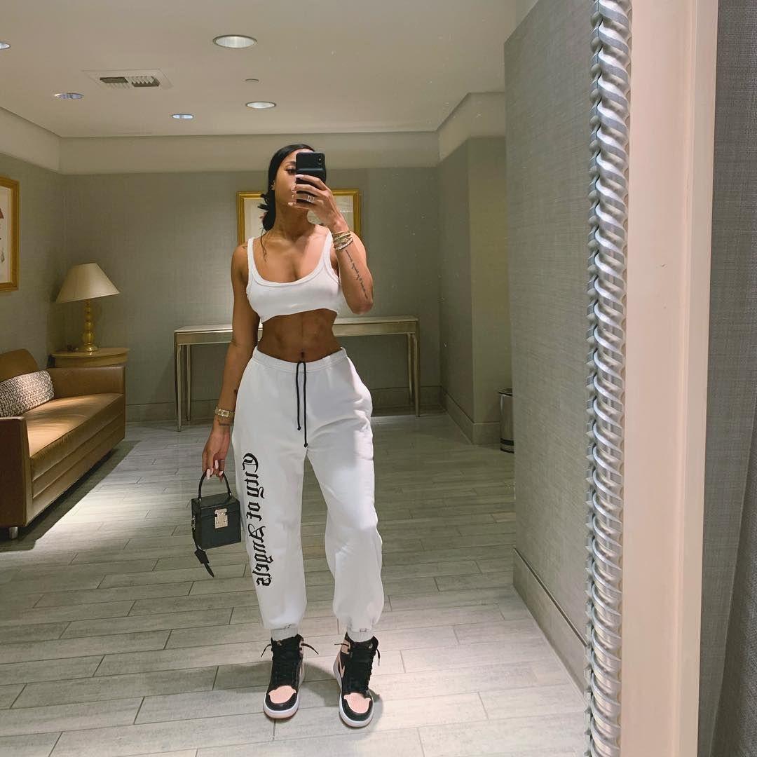 "Samaria Leah on Instagram: ""Errands🖤"" | fits in 2019 ..."
