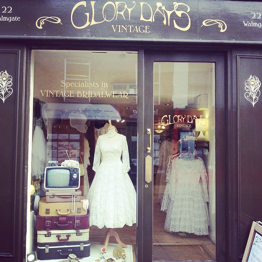 Vintage Bridal Boutique Glory Days Vintage Vintage Shop Display Wedding Store Window Display