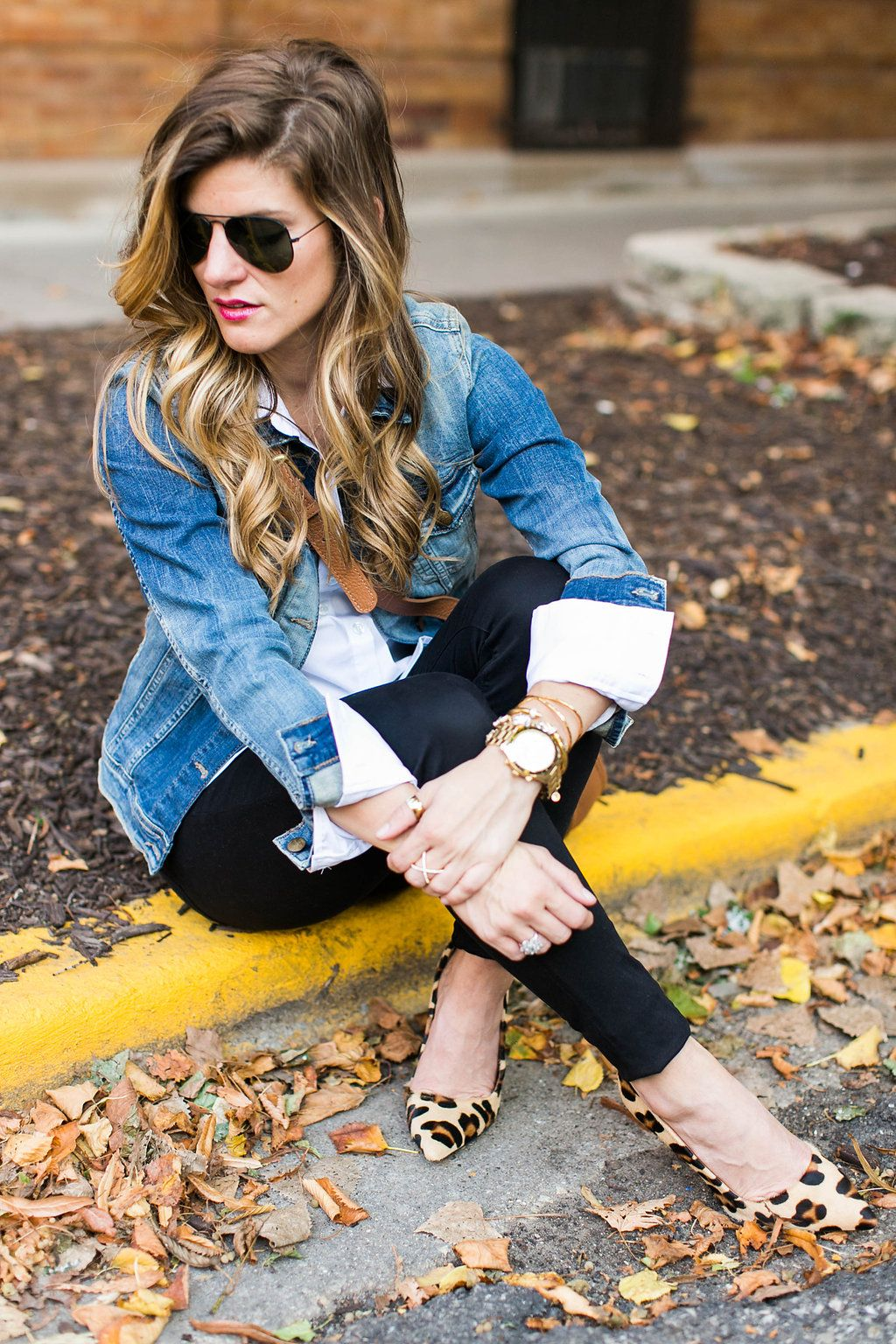 What to Wear with a Jean Jacket Chic Fall Outfit Combo