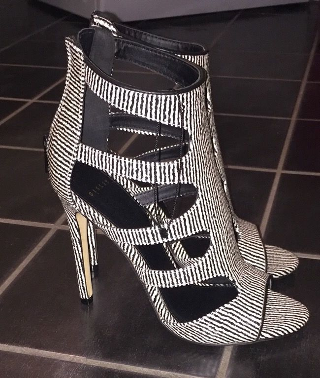 9d02ebccb6a Pin by Paloma-Muhametaj on Shoes