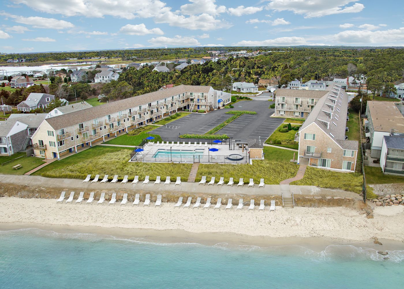 Places To Stay In Cape Cod Ocean Mist Hotel Cape Cod Ma South Yarmouth Beach Hotels Ocean Mist