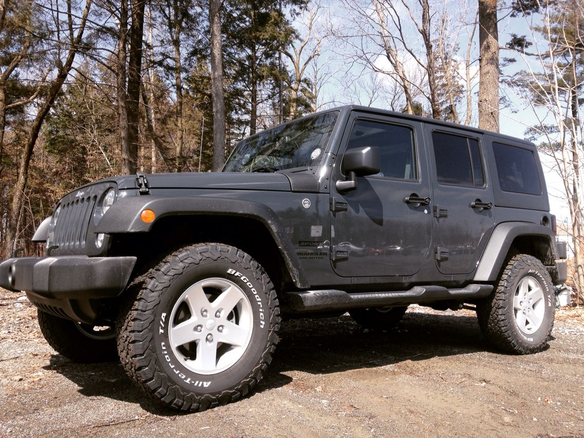 Jeep Wrangler Unlimited Grey Rhino Sport 2016 2 Lifted 33 Tires