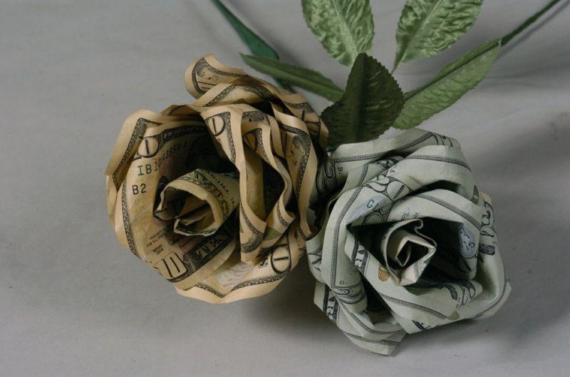 geldgeschenke zur hochzeit h bsche rosen mit geldscheinen gestalten geschenke pinterest. Black Bedroom Furniture Sets. Home Design Ideas