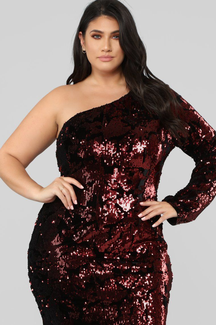 Two's A Crowd Sequin Dress Burgundy Sequin dress