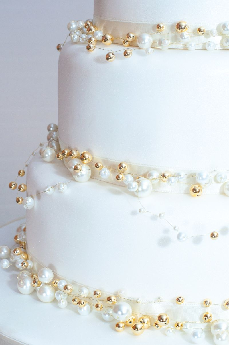 ivory gold blue wedding cake - Google Search | Wedding Cakes ...