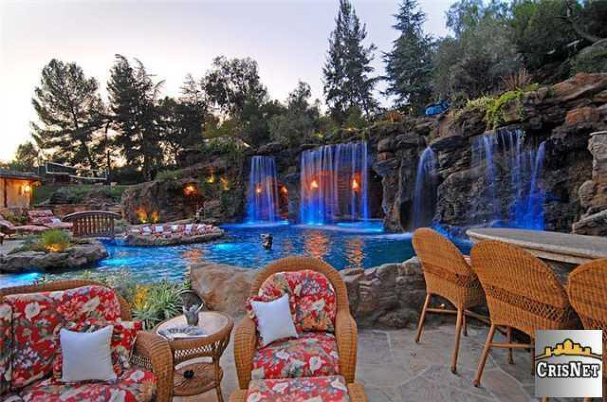 Swimming Pool With Waterfalls _ Drakeu0027s New Bachelor Pad In Hidden Hills,  California  18