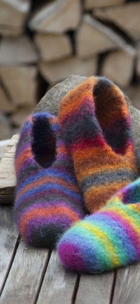 Gründl - Gefühl für Wolle | Geschenktüten | Pinterest | Hausschuhe ...