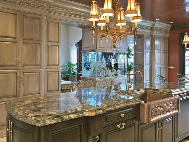 A beautiful ornate style kitchen | Luxurious Interiors | Pinterest ...