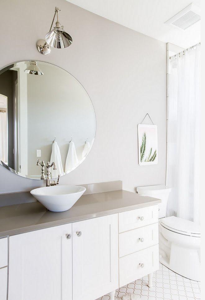 White And Grey Bathroom Grey Bathroom Walls Painted In Collonade