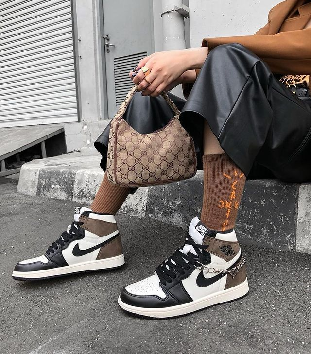 Air Jordan 1 High Dark Mocha Black 555088-105   Sneakerhead ...