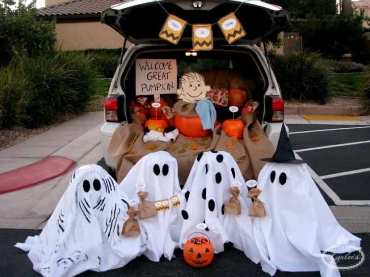 Great Pumpkin Trunk or Treat by Lynlee Halloween Fun, decorating - halloween trunk or treat ideas