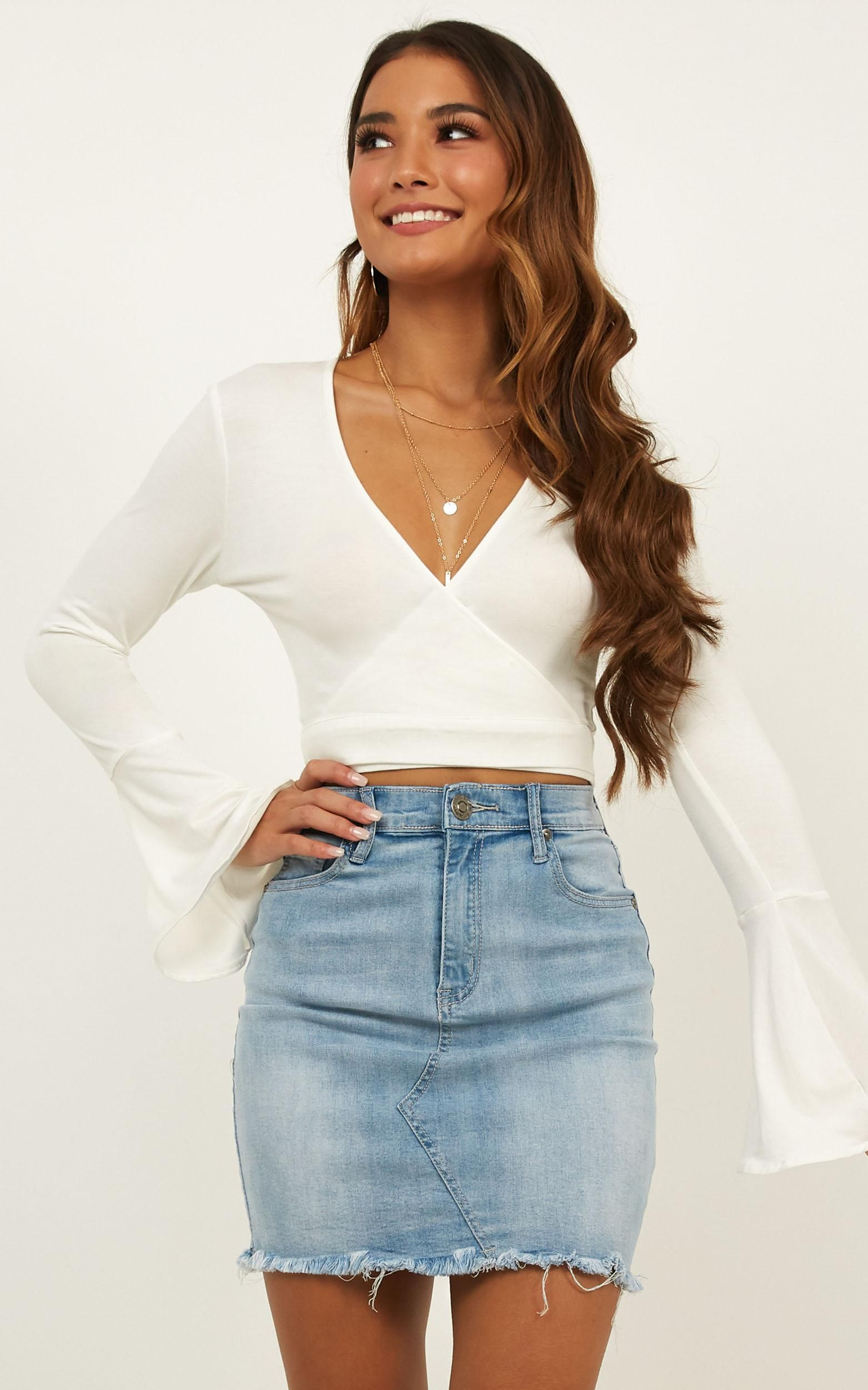 Sunday Drive Top In White Produced - Summer trends outfits, Fashion, Outfits, Summer outfits, Summer outfits women, White party outfit -  5ft 9in