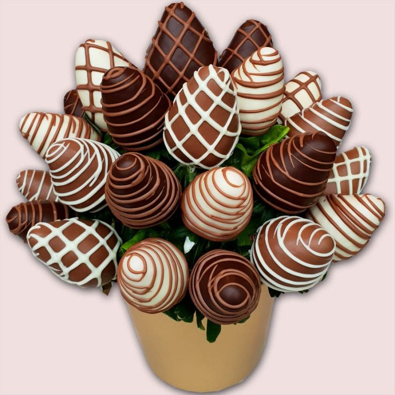 Finest Berries Chocolate Bouquet Dipped Strawberries in