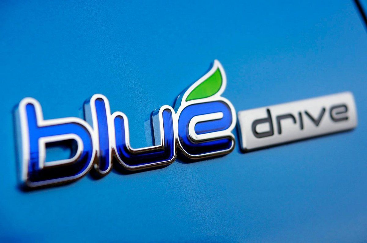 Hyundai Blue Drive Many Of The New Hyundai Cars Come Equipped With Bluedrive Intelligent Stop And Go New Hyundai Cars Hyundai Hyundai Cars