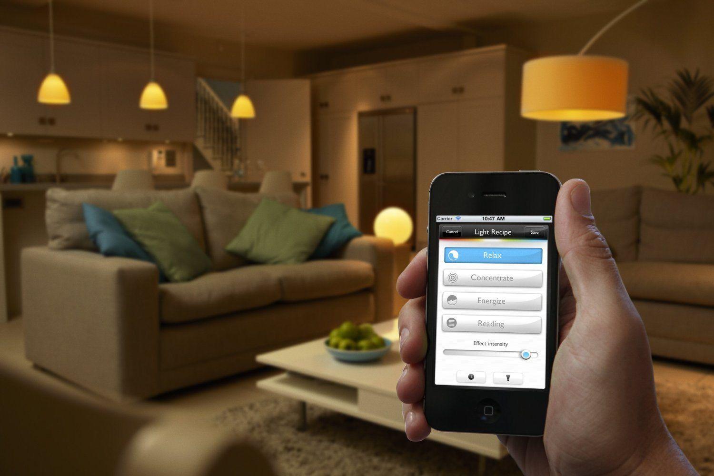 Philips Hue: il lusso di controllare le luci di casa dallo smartphone