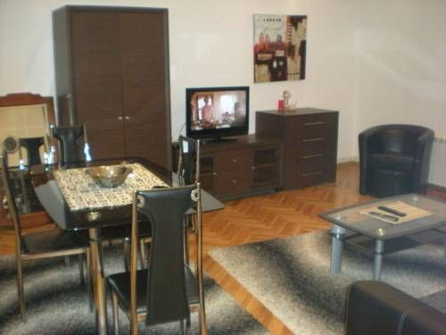 Factory Innovation Suites Zmaj Beograd Factory Innovation Suites Zmaj offers accommodation in Belgrade. The unit is 500 metres from Trg Republike Belgrade.  St. Sava Temple is 2.7 km from Factory Innovation Suites Zmaj, while Belgrade Arena is 2.9 km away.