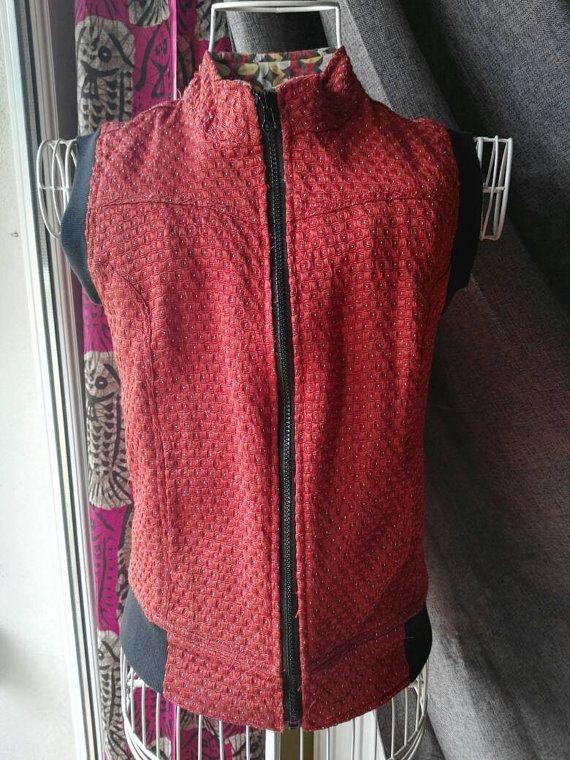 Mira este artículo en mi tienda de Etsy: https://www.etsy.com/listing/270229760/ethnic-reddish-waistcoat-reversible-for
