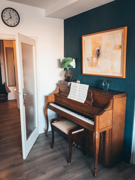 Wunderschönes Klavier in Wohnzimmer #wggesucht #wg #wien #
