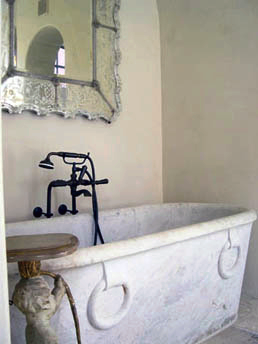 Murphy Mears Architects - love the tub and mirror!