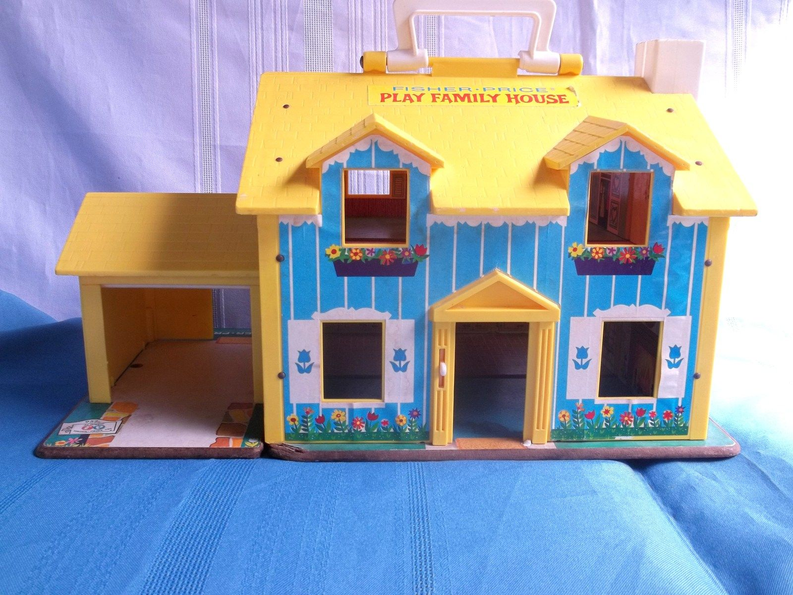 Vintage FisherPrice Play Family House 952 7.00 Play
