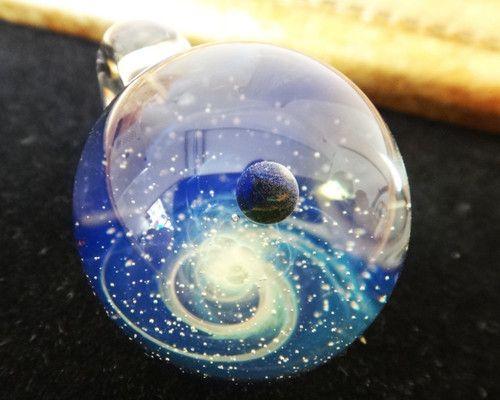 Photo of 宇宙モチーフのブラックオパール惑星入りガラスペンダント d4-2