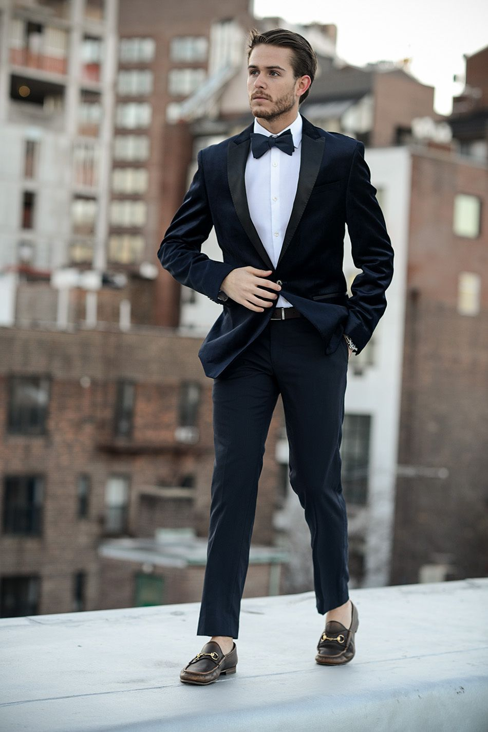 2015-New-Fashion-Groom-s-Wear-Blue-Velvet-Tuxedos-Wedding-Suits-For-Men-3-Peices-Suits.jpg (950×1423)