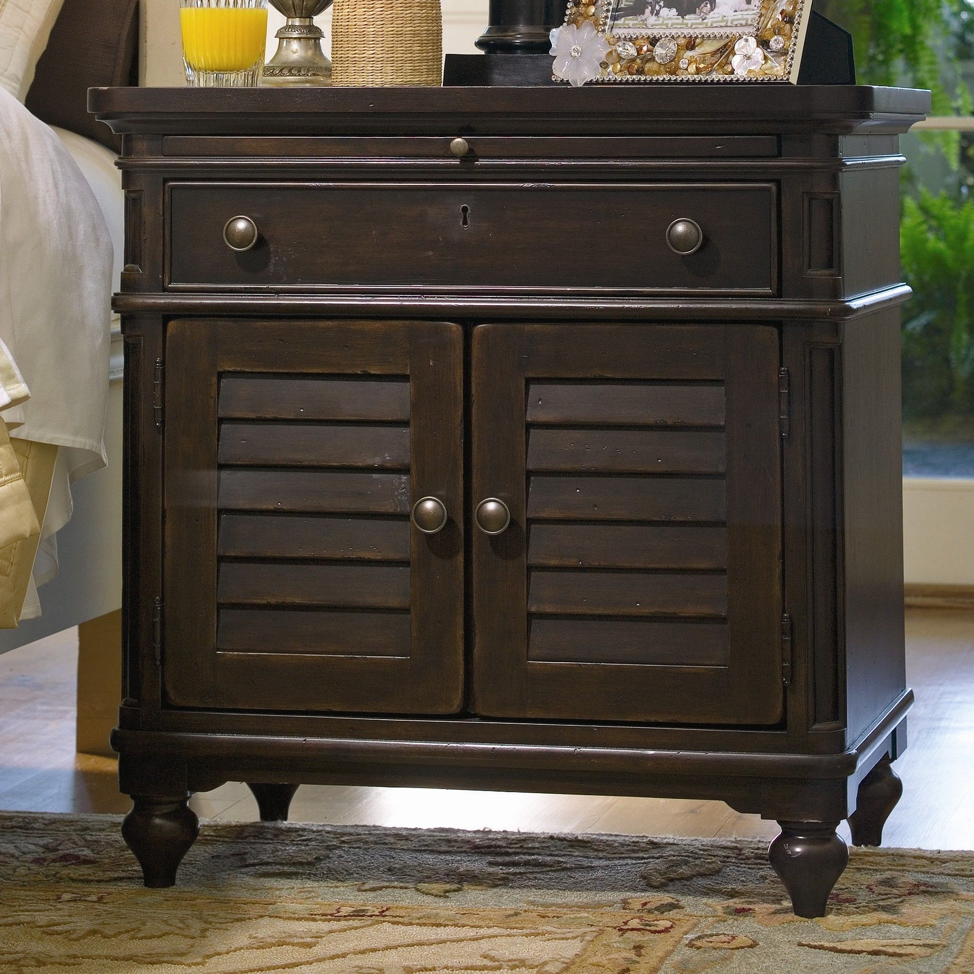 Solid 2 Drawer End Table Nightstand, Furniture, Bedroom