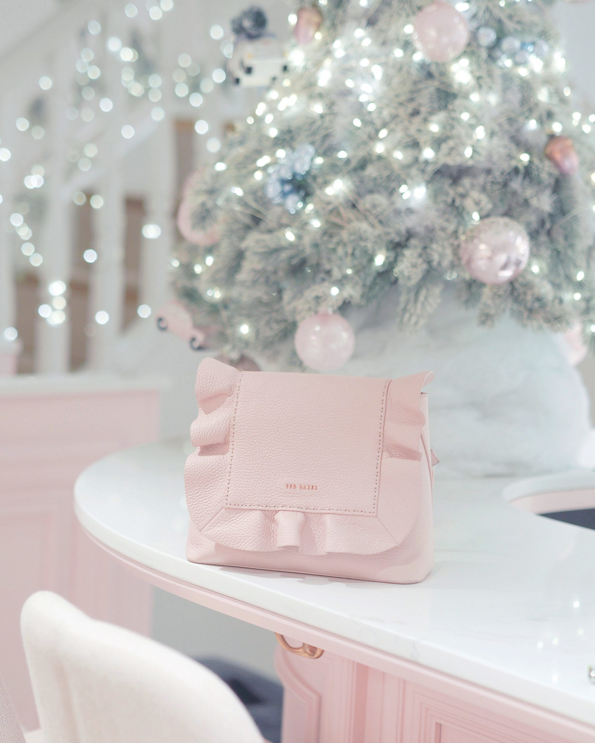 Pin by Pink Rose♡ on Z Gifts in 2020 Pink christmas