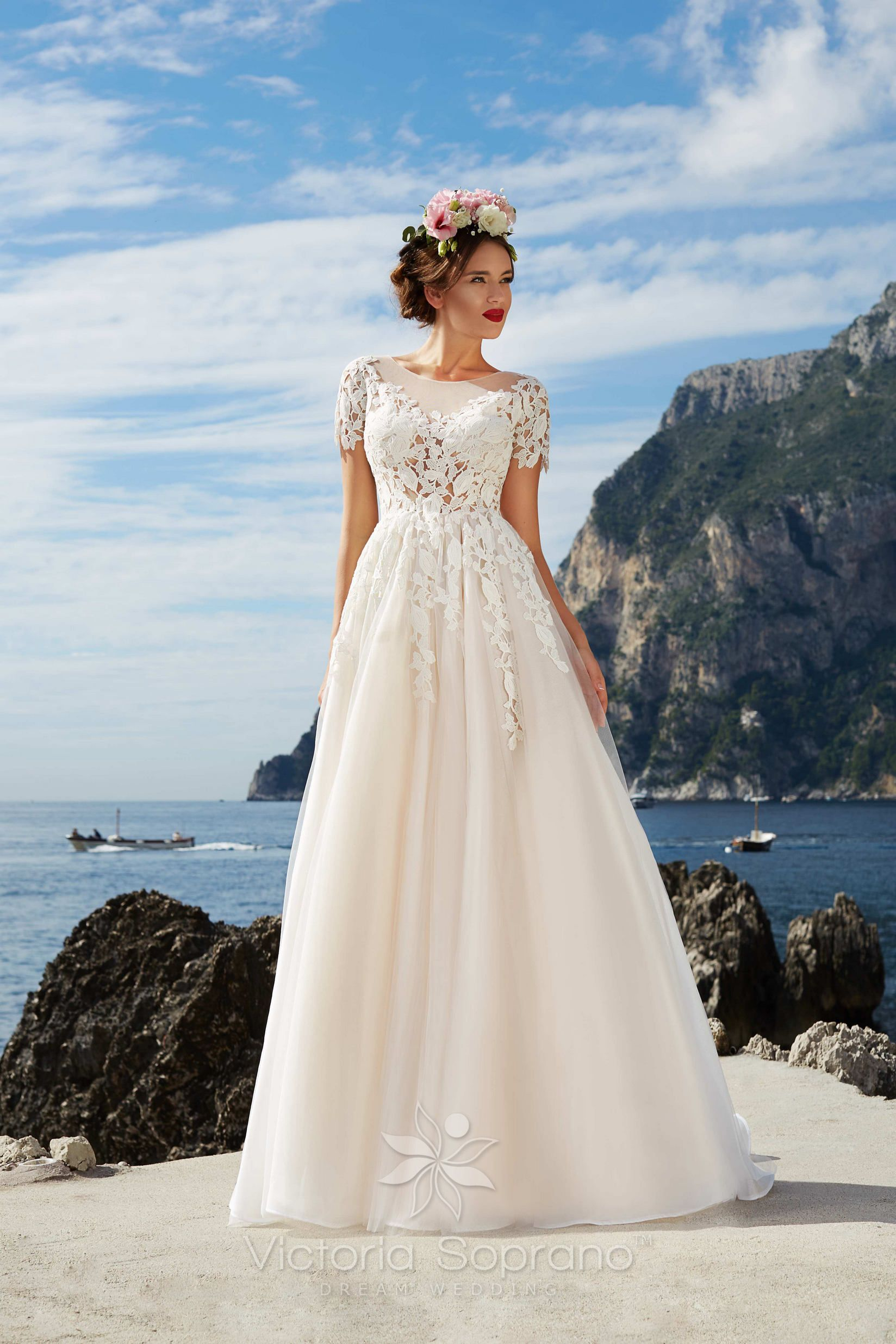 LAURA #wedding, #weddingdress, #nefelejcsruhaszalon, #esküvőiruha ...