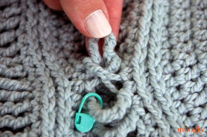 Ups and Downs Slouchy Beanie: FREE #Crochet Pattern! | Modele De ...