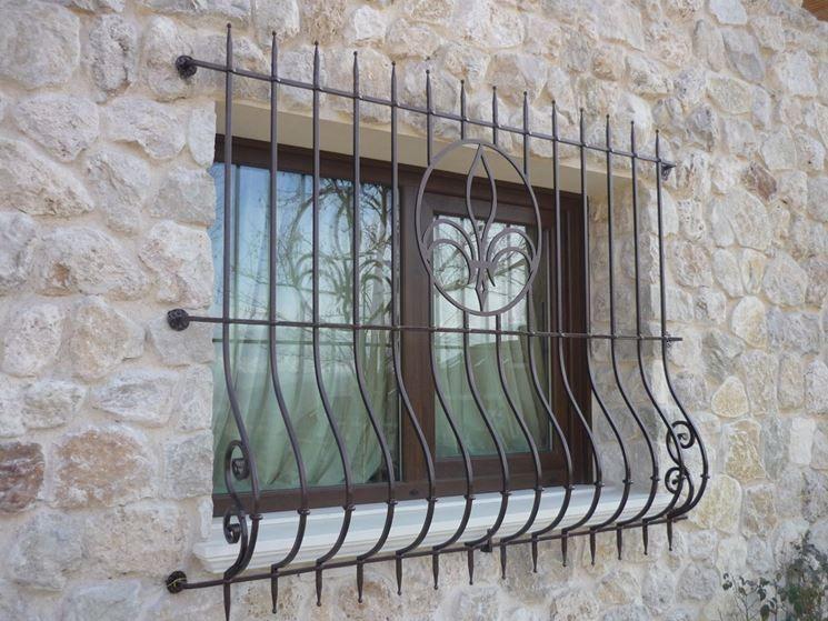 Inferriate per finestre cerca con google inferriate for Grate in legno per balconi