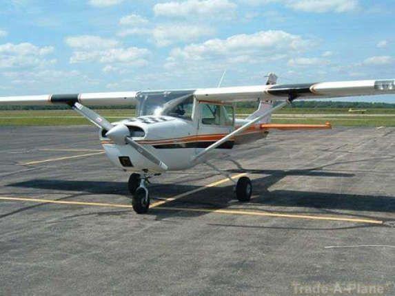 Cessna 150 Aerobat N8452m 34 500 Cessna 150 Cessna Aircraft Sales