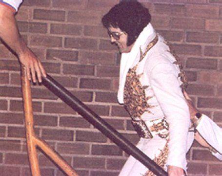 Elvis: Returning to his hotel in Binghamton, NY on May 26, 1977 May 26, 1977