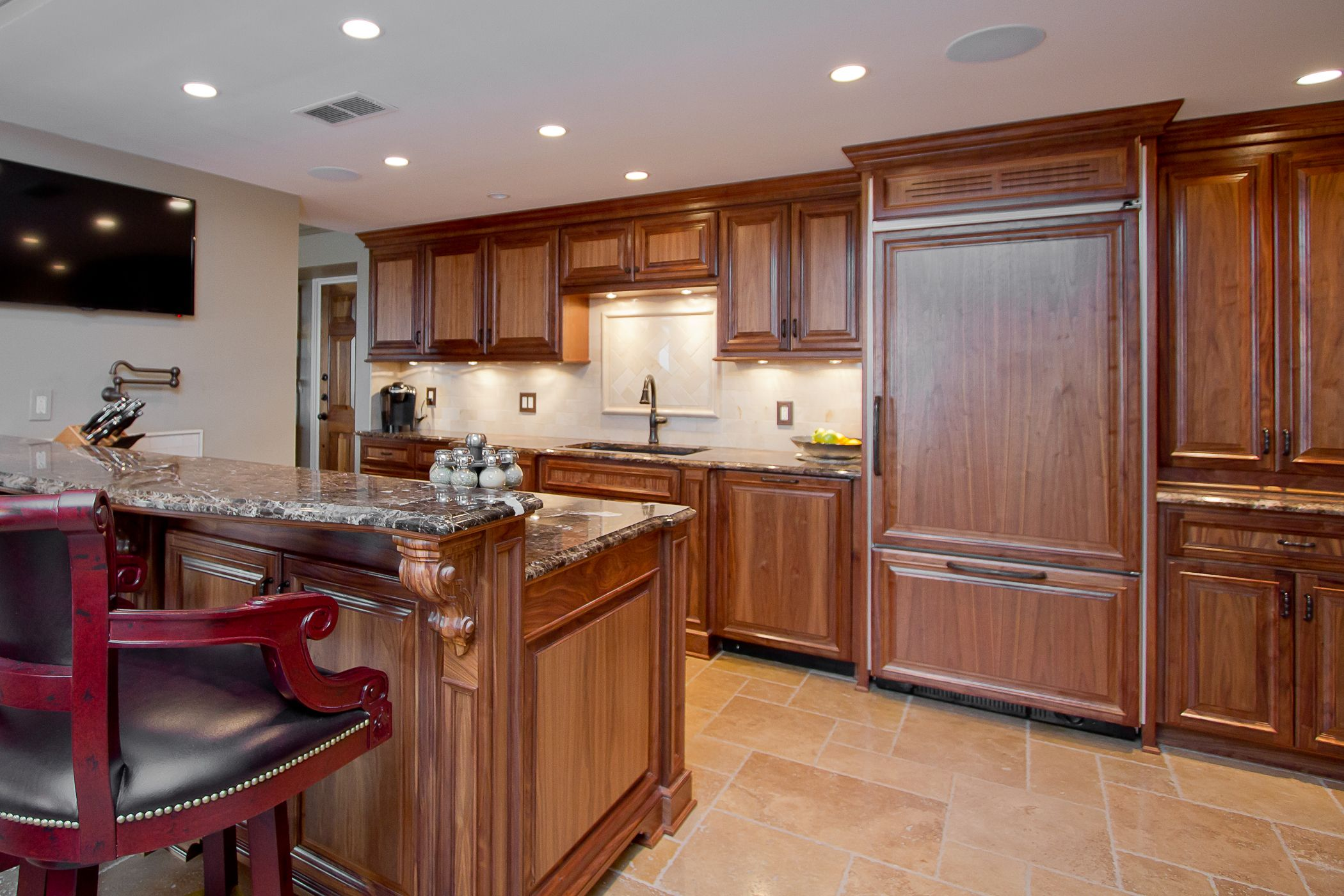High End Walnut Kitchen Cabinetry With Book Matched Veneered Raised Panel And A Satin Kitchen Cabinets Shaker Style Kitchen Cabinets Kitchen Cabinets Pictures