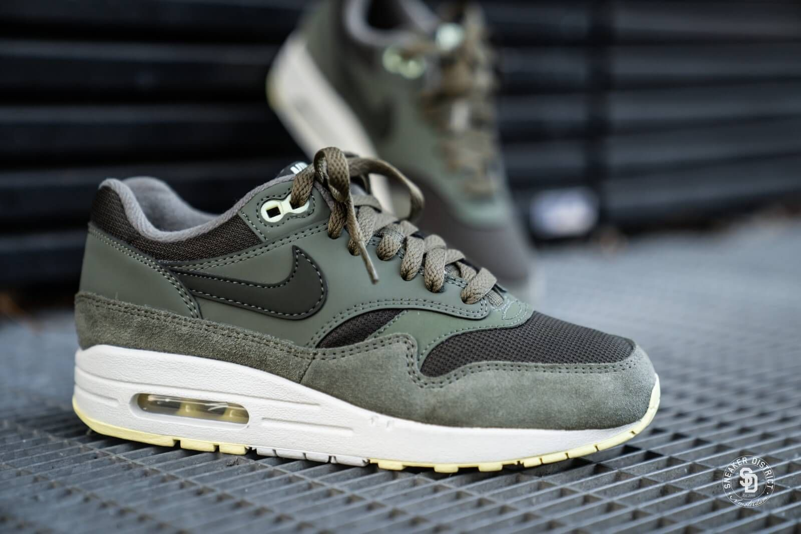 Nike Women's Air Max 1 Sequoia/Medium Olive - 319986-305 ...