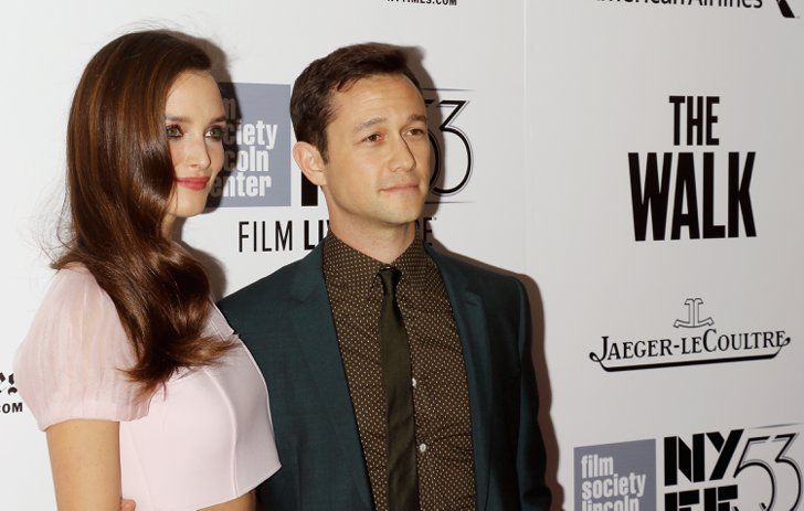 Pin for Later: New Dad Joseph Gordon-Levitt Flashes That Charming Smile on the Red Carpet