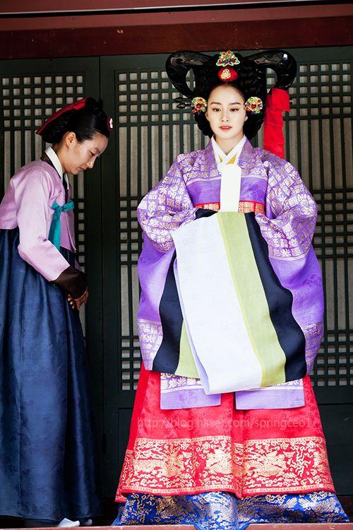 한복 Hanbok : Korean traditional clothes[dress]   Korean drama [Jang Ok-jung, Living by Love] = 희빈장씨 [Lady Jang Hui-bin] - 김태희(Kim Tae-hee)