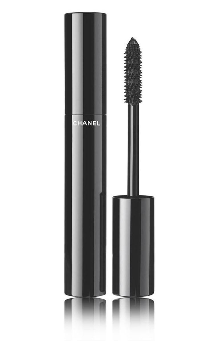 020bded153ca Free shipping and returns on CHANEL LE VOLUME DE CHANEL Mascara at Nordstrom.com.  The high-precision mascara achieves instant volume and intensely lush ...